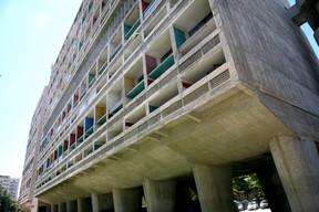 L'unité d'habitation réalisée à Marseille par Le Corbusier 1972
