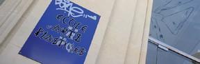 plaque de l'Ecole d'arts plastiques